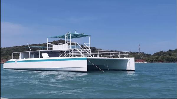 crystal yacht 60ft catamaran1