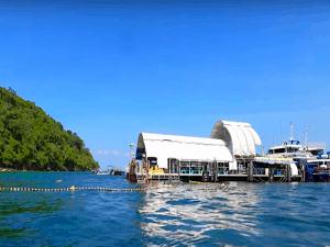 pulau payar snorkeling platform 1
