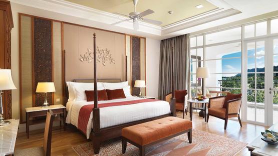 the-danna-langkawi-malaysia-grand-merchant-room